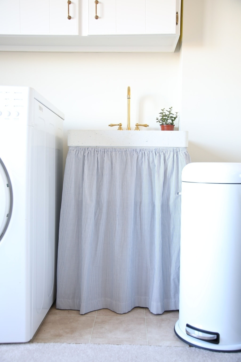 laundry room storage & decor ideas