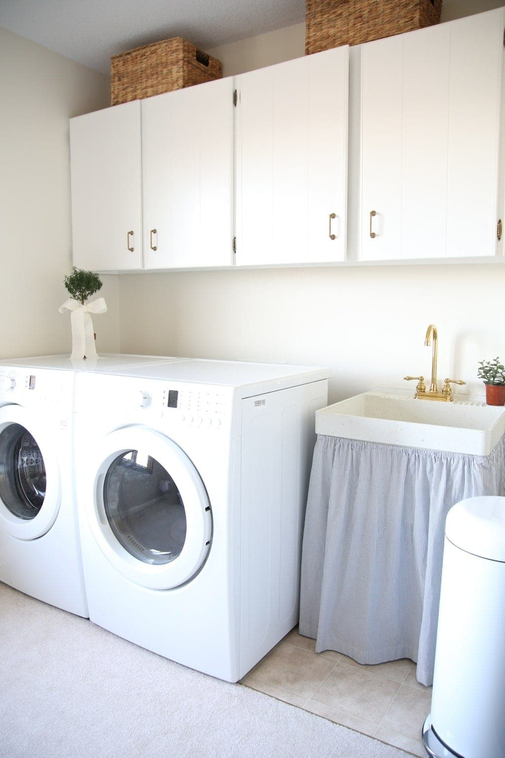 Easy laundry room storage ideas
