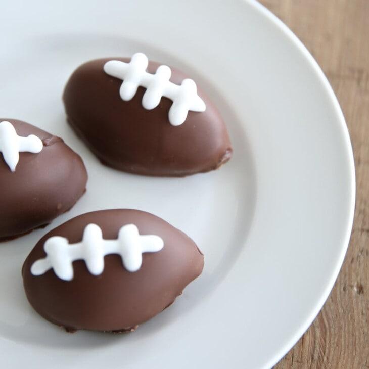 Easy Super Bowl dessert recipe - touchdown truffles!