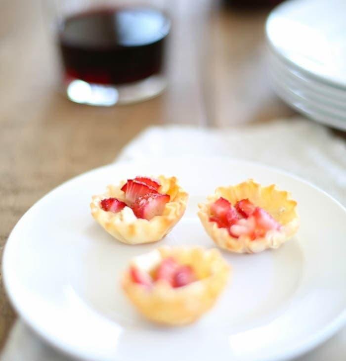 Easy Strawberry Brie Bites appetizer recipe