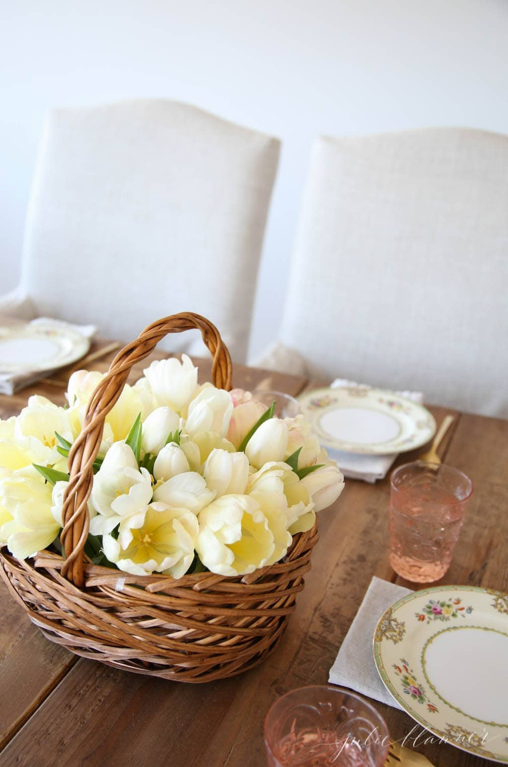 Beautiful table setting for spring perfect for showers & brunches