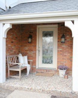 A pretty classic front porch