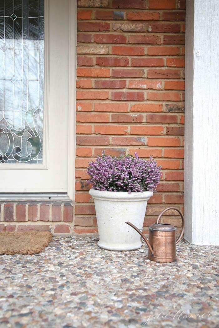 Pretty decorating ideas for the front porch