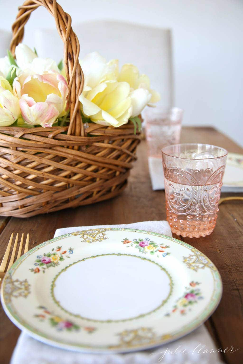 A simple spring table setting for brunches, showers & beyond