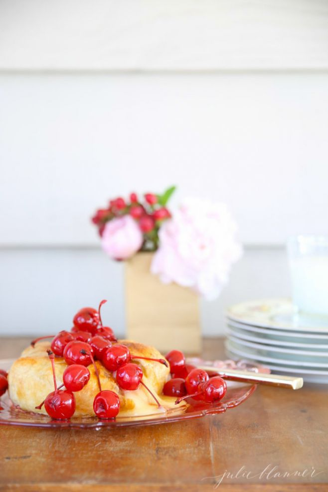 Spring Entertaining | Balsamic Cherry Baked Brie Appetizer