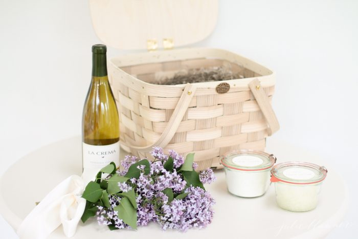 How to create a beautiful gift basket - tips and tricks to creating a gift basket for any occasion