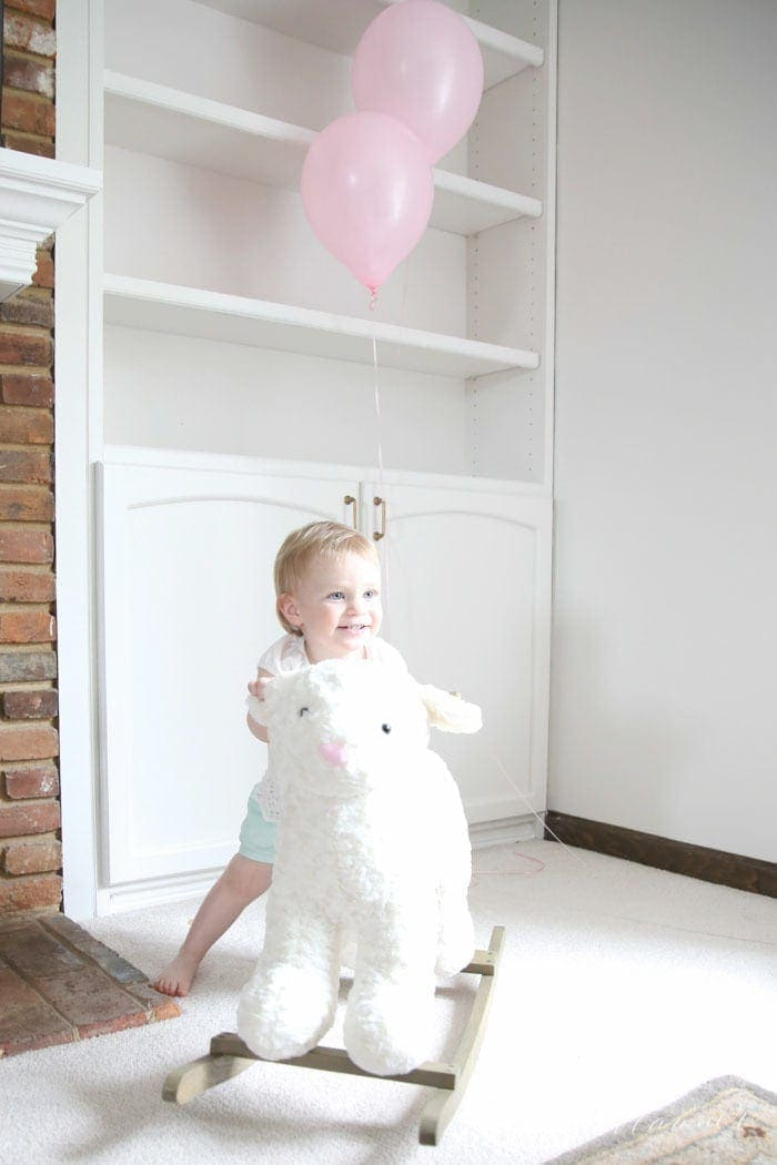 Little Lamb birthday party - tips for hosting a simple and beautiful celebration for kids