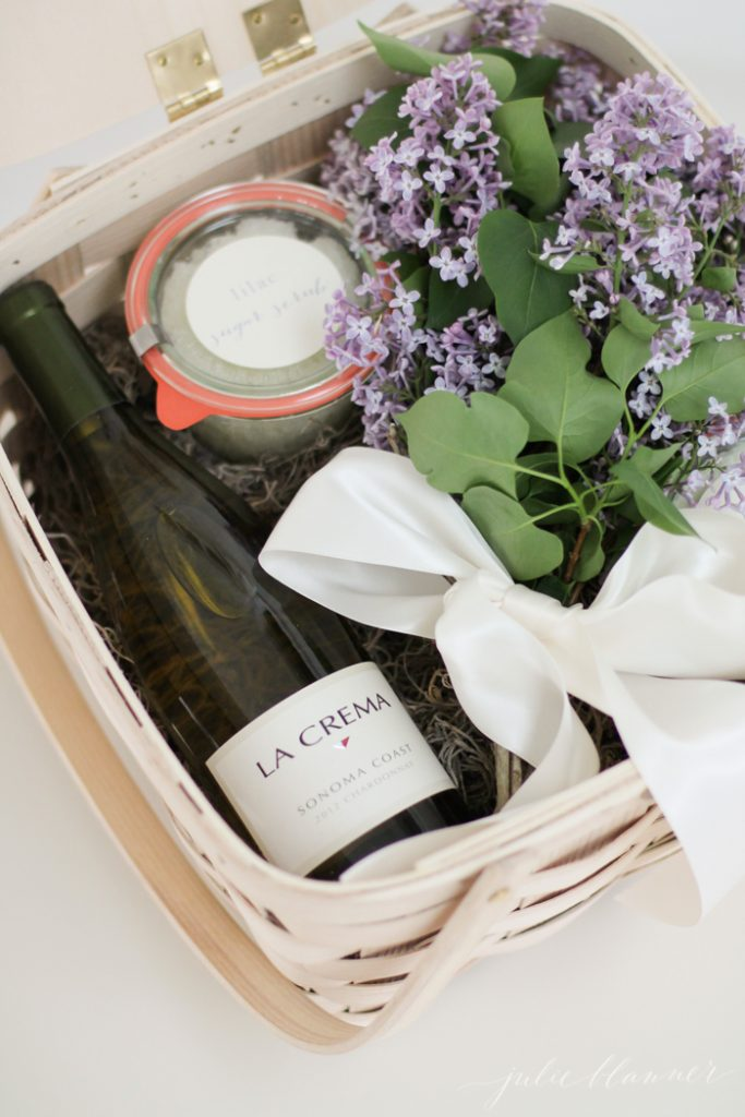 How to create a beautiful Mother's Day gift basket
