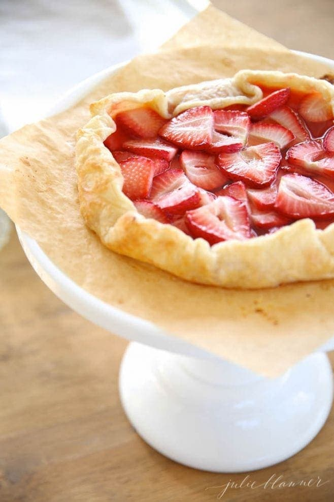 5 minute skinny strawberry tart, a beautiful Mother's Day dessert