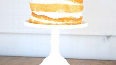 An effortlessly beautiful cherries and cream cake - get the easy details!