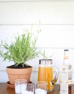 Kentucky Derby Drink | Spiked Peach Sweet Tea recipe