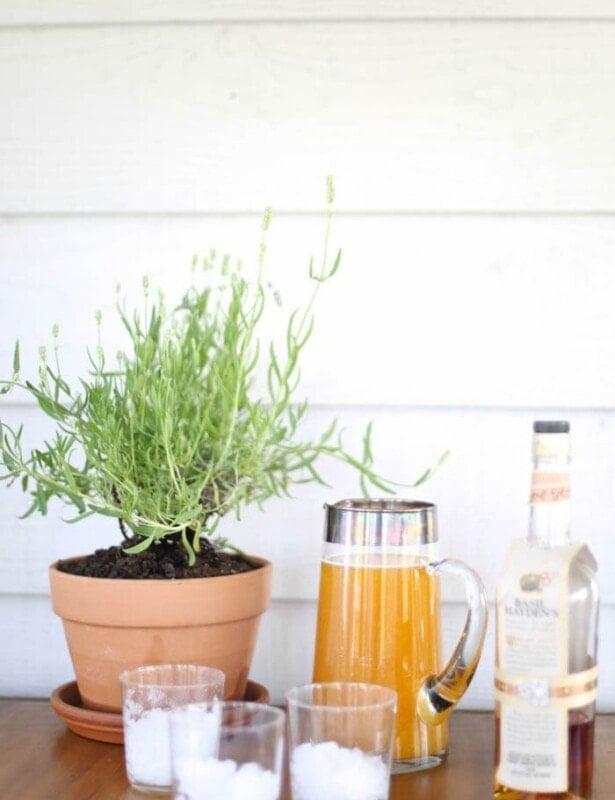 Kentucky Derby Drink | Spiked Peach Sweet Tea recipe