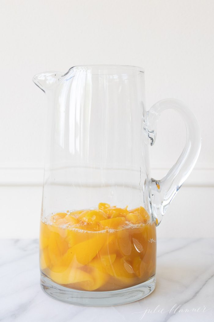 how to make peach sangria