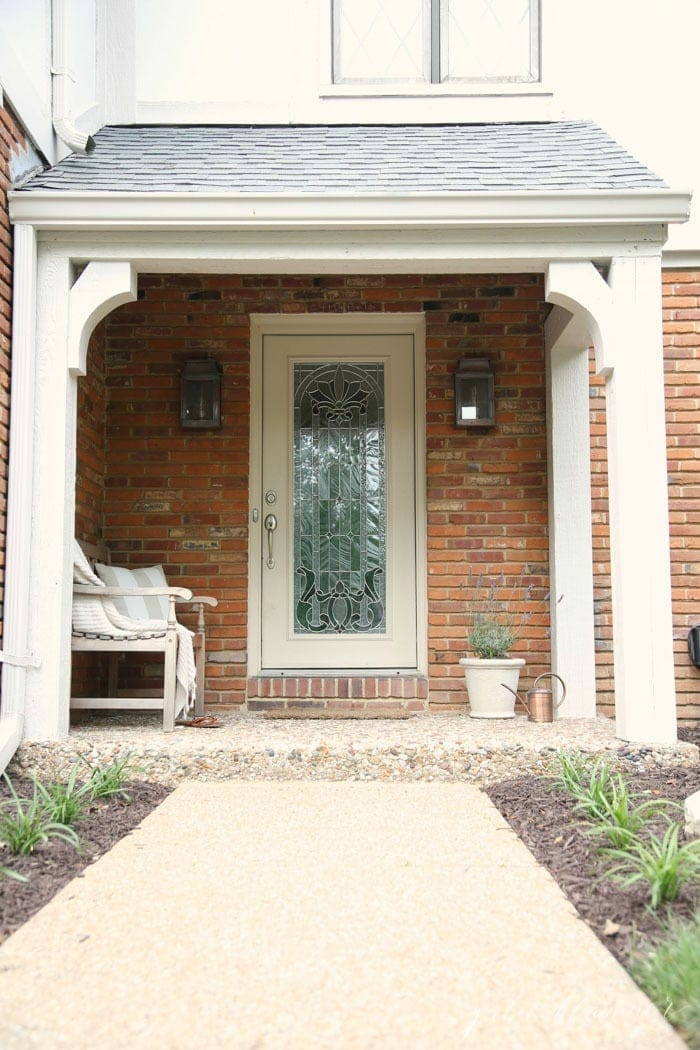 Create an inviting front porch | porch decorations