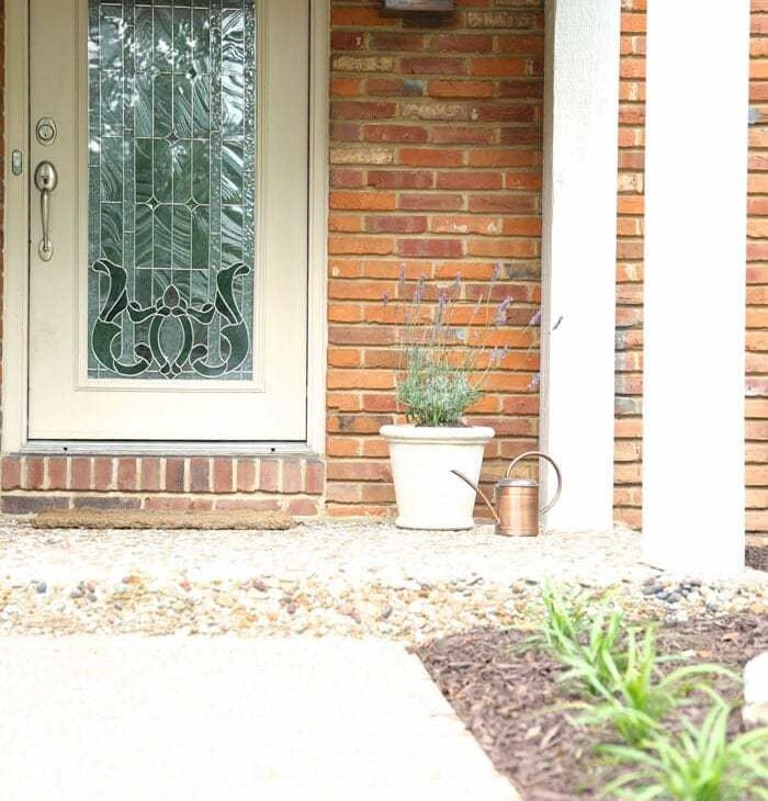 Adding charm to your home by creating an inviting porch | front porch decorations