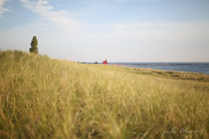 Holland, Michigan Big Red Lighthouse | What to do in West Michigan along Lake Michigan