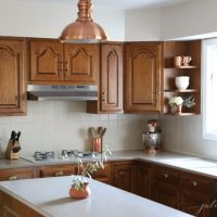 Updating an 80's Kitchen with Oak Cabinets
