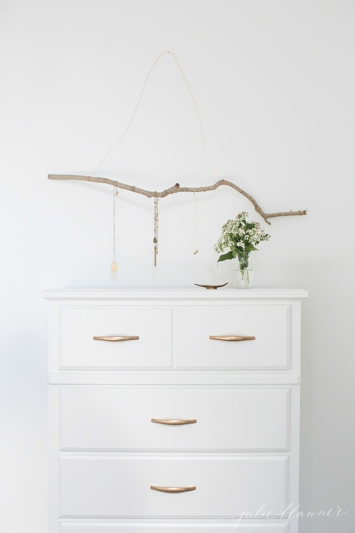 DIY jewelry hanger bedroom art