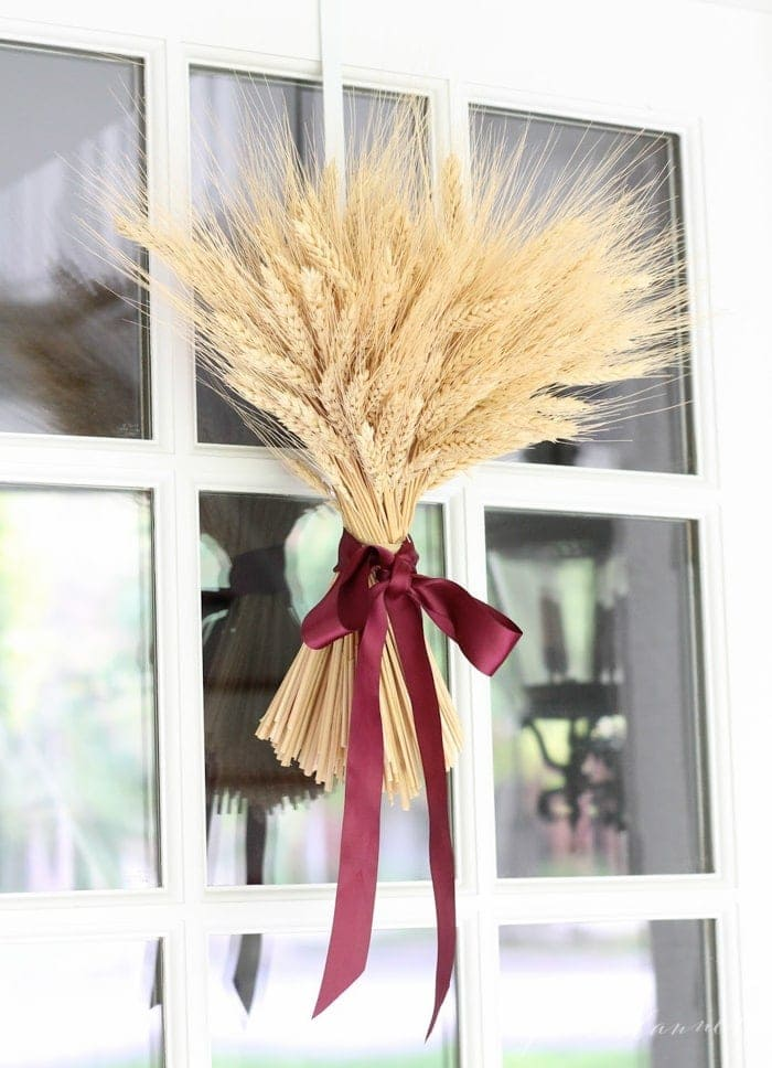 DIY wheat sheaf centerpiece