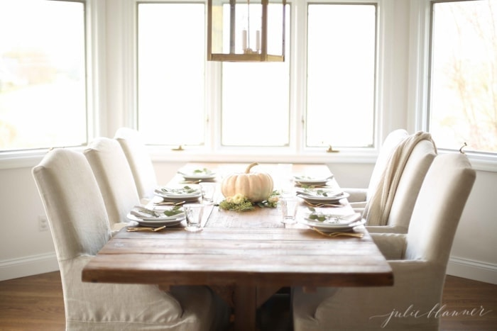 DIY Thanksgiving centerpiece and tablescape