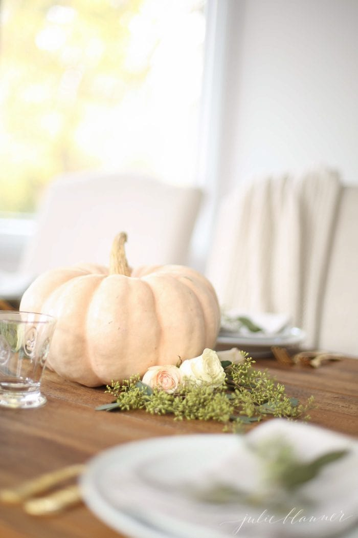 Pretty Thanksgiving centerpiece and beautiful table setting