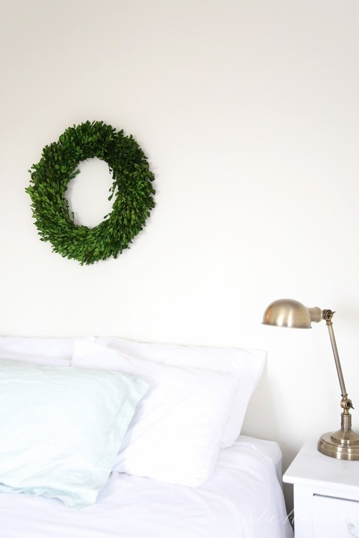 boxwood wreath christmas decor
