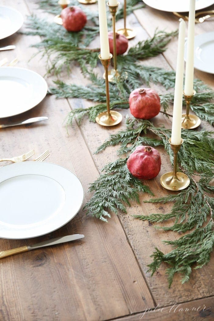 Set the table for Christmas with this gorgeous centerpiece you can create in just 10 minutes
