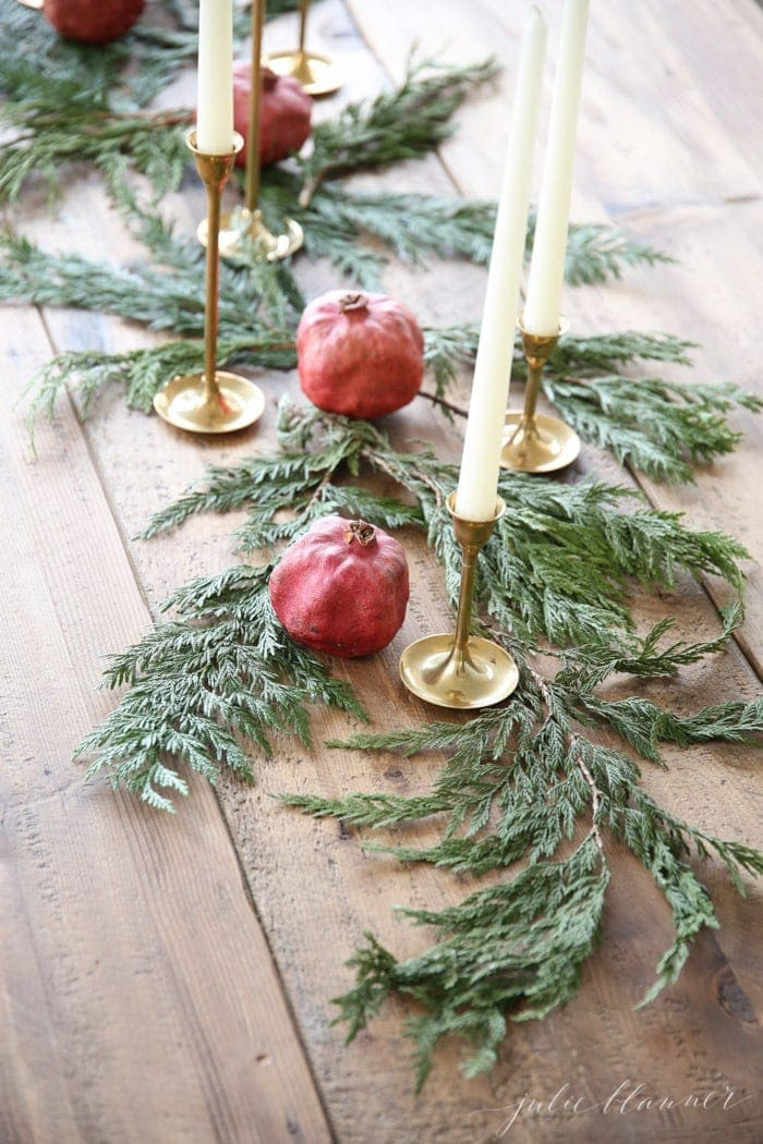 Christmas flowers diy christmas centerpiece for Home hardware christmas decorations