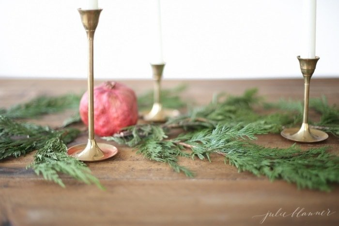 Christmas Flowers | 10 Minute Christmas Centerpiece tutorial