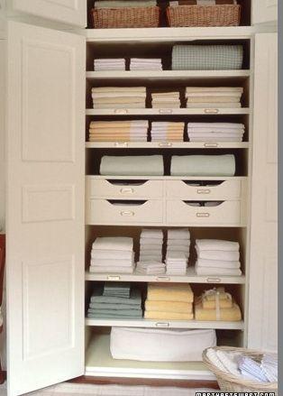 martha-stewart-linen-closet