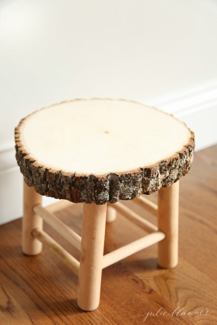 How to make a rustic bathroom stool in just a few minutes! & DIY Rustic Wood Bathroom Stool islam-shia.org