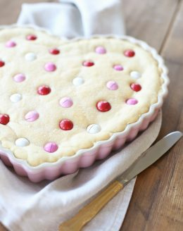 The best sugar cookie recipe - perfect for birthdays and Valentine's Day