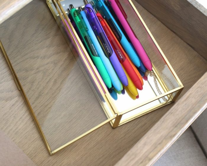 Using colored pens to organize your office, schedule and priorities