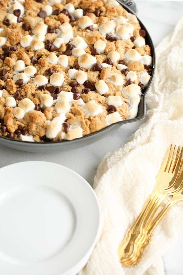 ridiculously good peanut butter s'mores pie with a peanut butter cookie crust - a crowd pleaser
