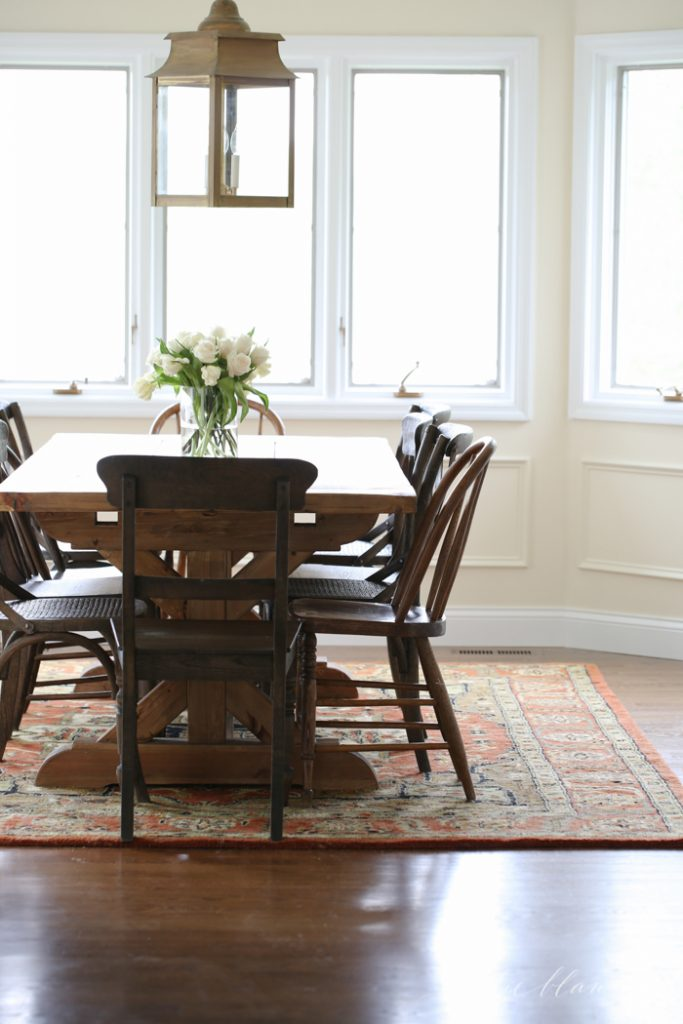 traditional breakfast room and casual dining room decor