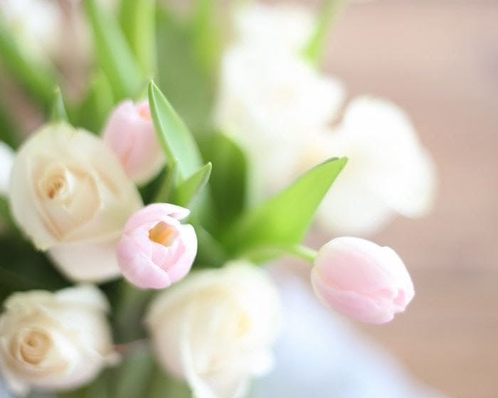 step by step tutorial to create a flower arrangement like a pro