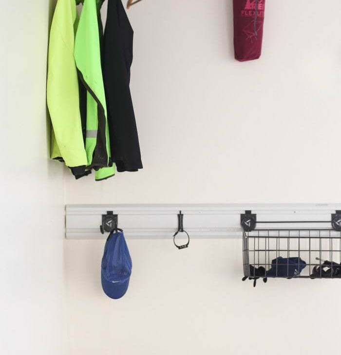 A garage organization system with running gear