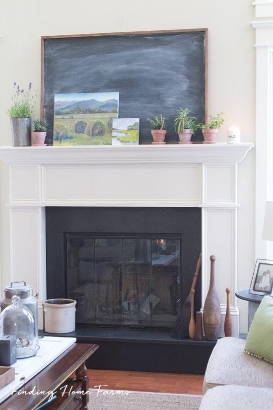 Summer-Herb-Mantel-Chalkboard