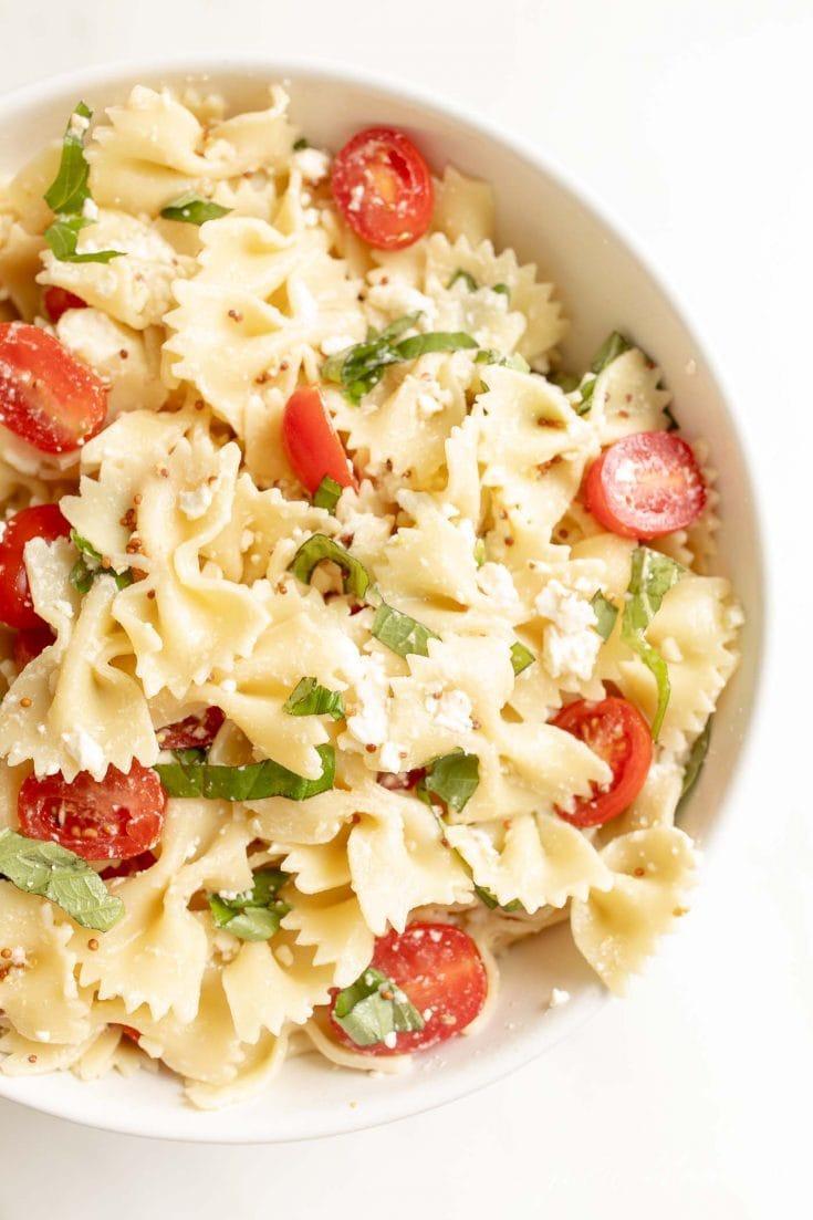 Oito das melhores receitas de salada de macarrão 12