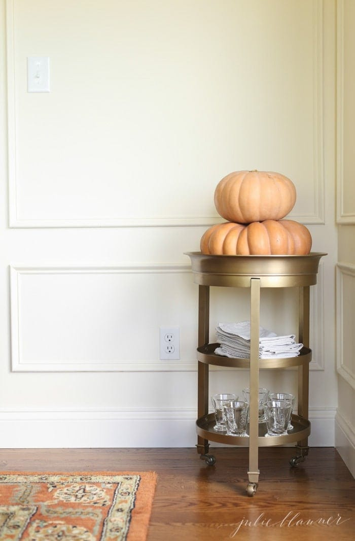 Pretty fall decorating ideas | simple ideas to decorate your home for Thanksgiving