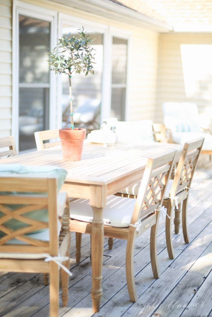 outdoor dining set - patio furniture and deck decorating ideas