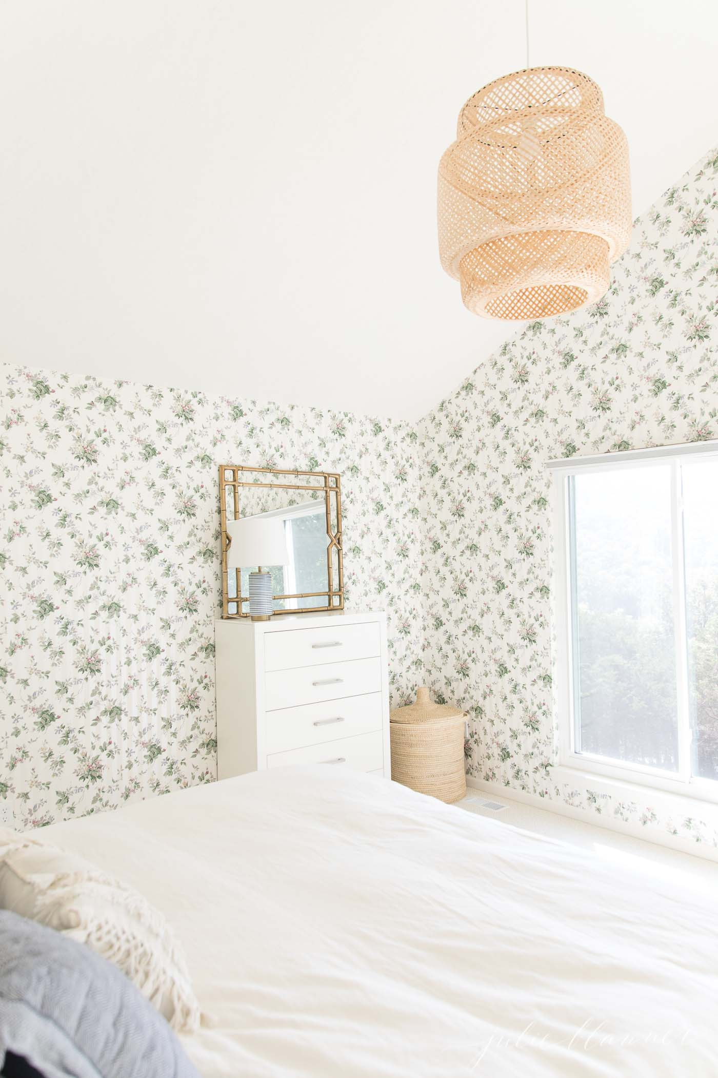 How To Decorate A Room With Dated Wallpaper