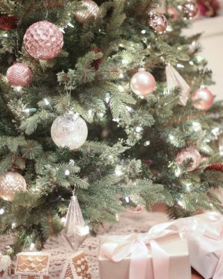 beautiful blush pink whimsical Christmas tree decorating ideas