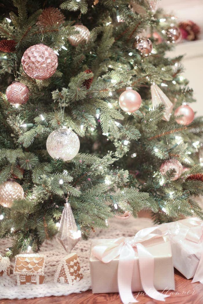 nostalgic christmas tree decorating ideas in blush pink