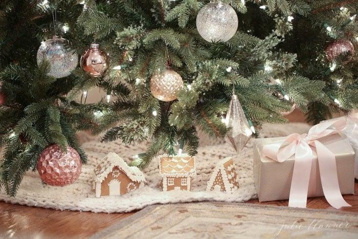 Nostalgic Christmas Tree Decorating Ideas, In Blush Pink