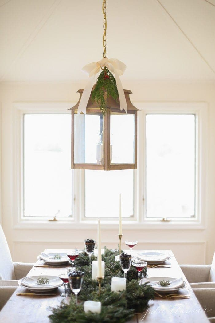 Beautiful holiday entertaining ideas that last from Thanksgiving to New Year's!
