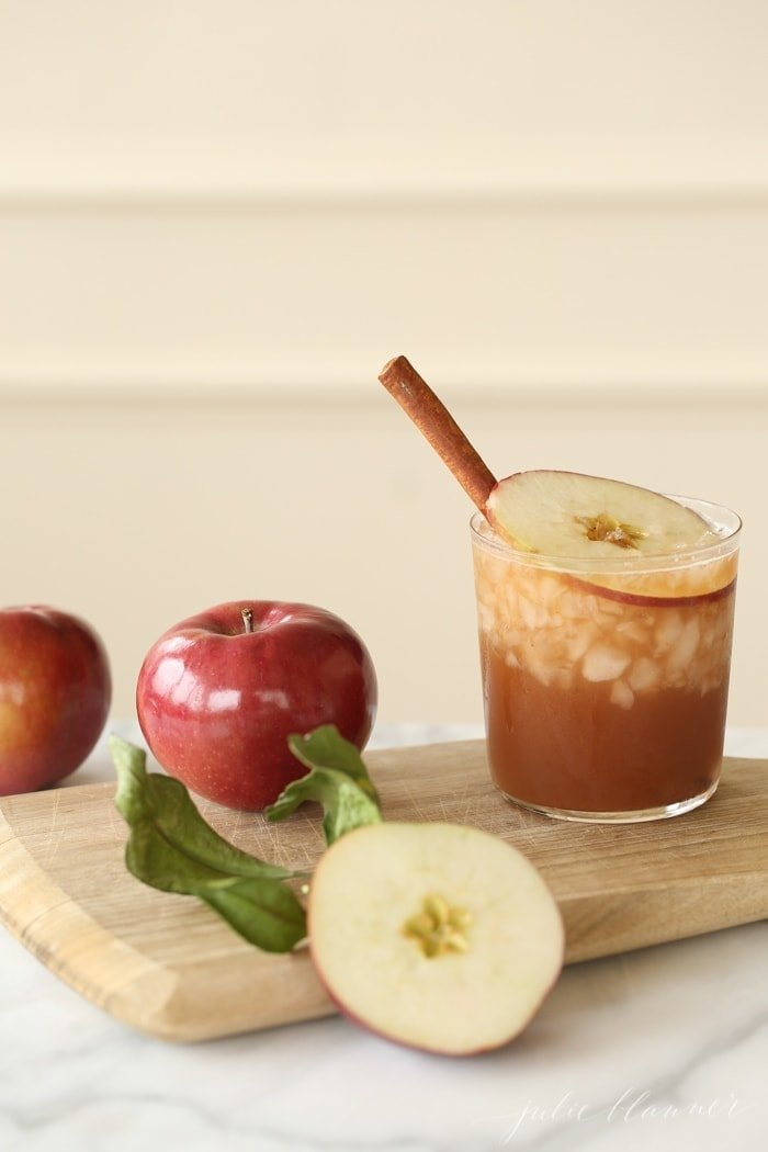 Cinnamon Apple Old Fashioned {and there's nothing old fashion about it!}