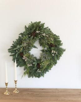 natural Christmas decorations | wreath with juniper berries, fir and cedar