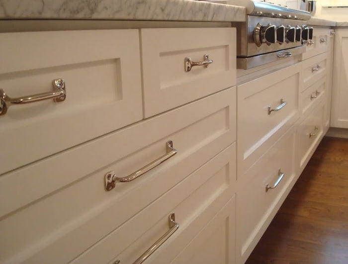 Kitchen cabinet door styles difference between inset partial full overlay - Stylish knob styles that can enhance your kitchen cabinets ...