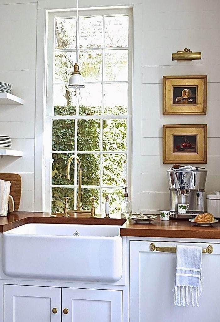 Classic Kitchen: Apron Front Farmhouse Sink